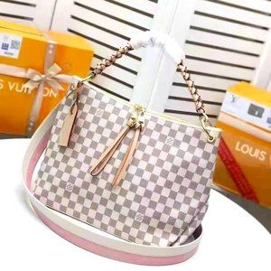 Louis Vuitton Beaubourg Hobo MM Bag NWT 008